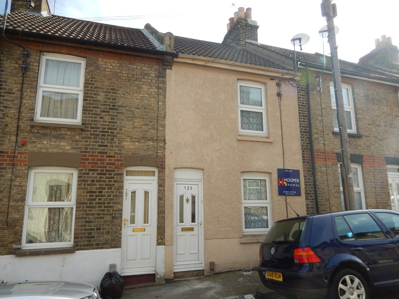 Charter Street, Chatham, Kent. ME4 5RY